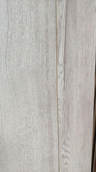 7057 Arto Synergy Дуб Тетис белый 8 мм 33 класс с фаской